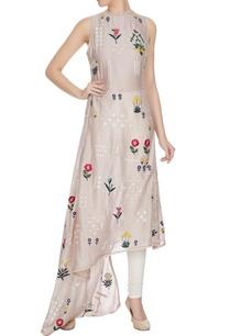 champagne-rose-embroidered-sleeveless-chanderi-kurta
