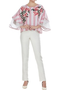summer-romance-floral-embroidered-blouse