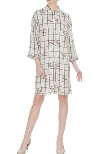 grid-pattern-3d-floral-applique-shirt-dress