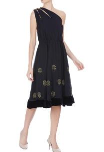 black-one-shoulder-dress-with-velvet-borders