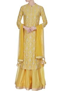 yellow-aari-work-chanderi-kurta-set
