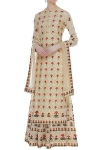 embroidered-kurta-with-skirt-dupatta