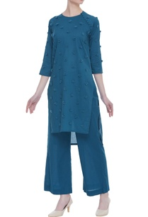 kurta-with-side-loop-button-placket