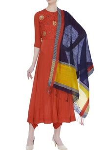 resham-embroidered-kurta-set