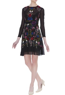 floral-embroidered-cocktail-dress-with-inner-belt