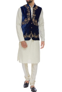 velvet-zardozi-embroidered-jacket-set