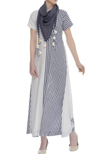 printed-long-tunic-with-scarf