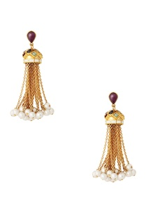 dangling-earrings-with-pearls