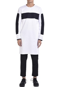 crew-neck-kurta-with-pintuck-panels