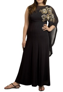 maxi-dress-with-sequins-hand-embroidery