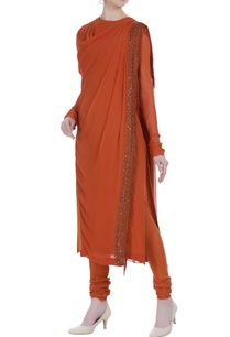 cowl-pattern-hand-embroidered-kurta-set