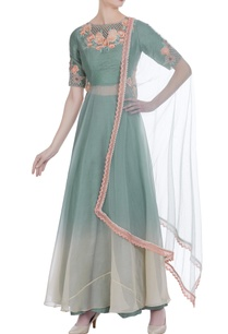 threadwork-embroidered-kurta-with-flared-pants-and-dupatta