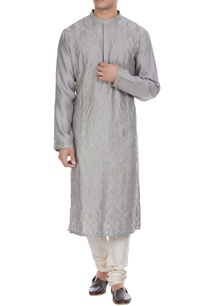 aari-embroidered-kurta