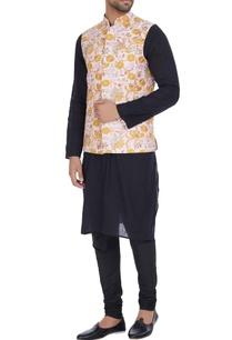 zari-flower-embroidered-bandi