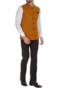 bandi-jacket-with-geometric-buttons