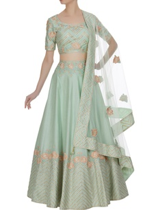 embroidered-lehenga-with-choli-and-parsi-dupatta