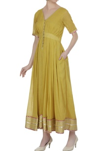 pleated-long-dress-with-gota-embroidered-border