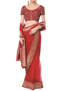 embroidered-blouse-with-scallop-finish-saree