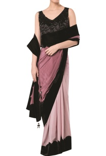 scallop-border-saree-with-embroidered-tassel-blouse