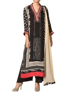 mirror-embroidered-abstract-printed-kurta-set