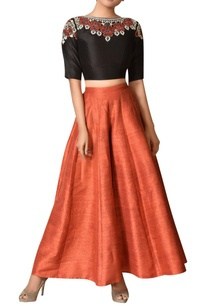 chanderi-silk-embroidered-crop-top-with-palazzos