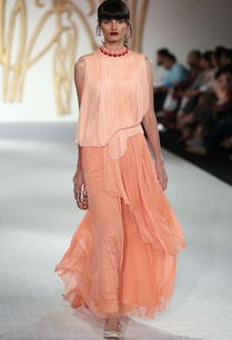 silk-net-pleated-tiered-style-gown