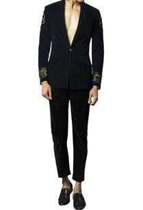 velvet-embellished-dragon-motif-blazer
