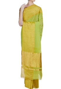 handloom-sari-in-wide-gold-border-with-unstitched-blouse