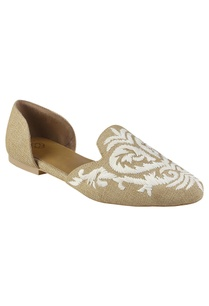 dorsay-flats-in-floral-embroidery