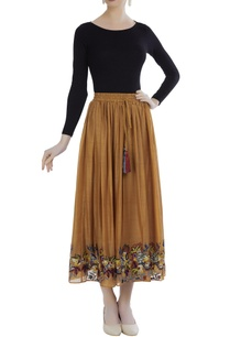 chanderi-embroidered-skirt