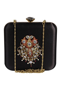 zardozi-hand-pearl-embroidered-clutch