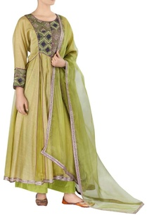 embroidered-kurta-set-with-dupatta