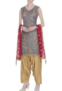 aari-embroidered-kurta-set