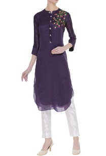 floral-embroidered-kurta-with-sequin-work