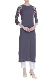 floral-embroidered-kurta