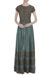 block-printed-embroidered-crop-top-with-maxi-skirt