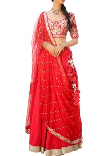 embroidered-lehenga-set