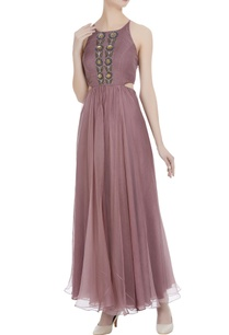 organza-cutdana-hand-embroidered-backless-gown