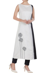 chanderi-floral-embroidered-long-kurta
