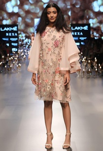 floral-embroidered-shift-dress