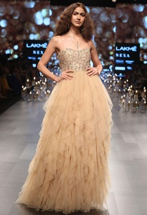 tulle-gown-in-exaggerated-ruffle-layers
