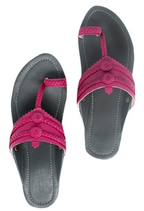 kolhapuri-style-leather-strap-sandals