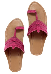 braided-strap-kolhapuri-sandals