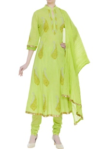 paisley-embroidered-anarkali-set