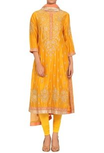 chanderi-silk-sequin-embroidered-kurta-set
