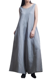 full-length-sleeveless-jumpsuit