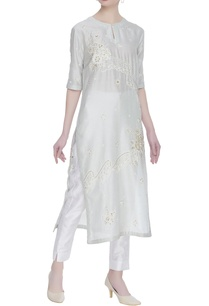 embroidered-kurta-with-cutdana-work