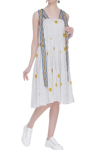 tiered-block-printed-midi-dress