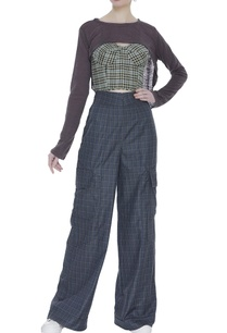 checkered-high-waist-trousers-with-corset-blouse