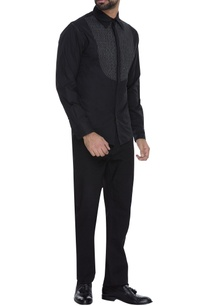 black-cotton-shirt-with-stitch-details-at-the-yoke